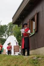 Fritz Herbert, Alt-Vorsitzender des Jugendfarmvereins begrüßt die zahlreichen Gäste. Fotos: Privat