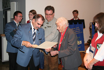 Ehrung der Jubilare für 40 Jahre fördernde Mitgliedschaft und 40 Jahre aktive Mitgliedschaft. Fotos: Privat