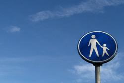 Verkehrszeichen_Eltern-Kind_freeimagesOK-MariskavanBrederide