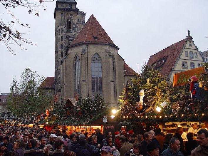 Weihnachtsmarkt_Stuttgart_WikiCoOK